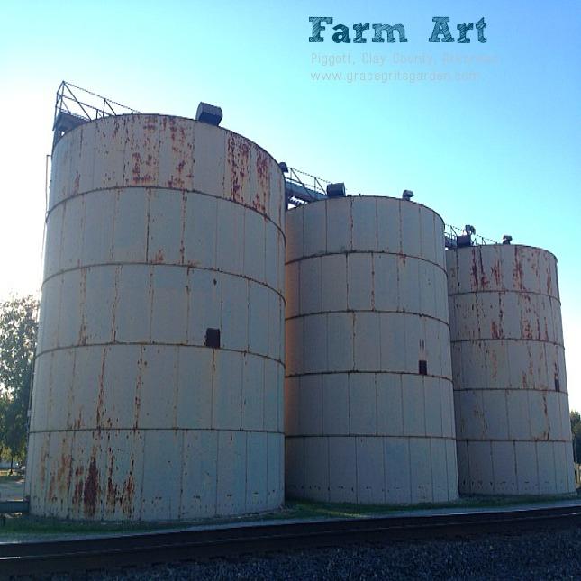 Farm Art: old grain bins, Piggott, Ar