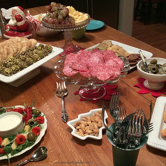 How To Arrange Food Buffet On Kitchen Countertops